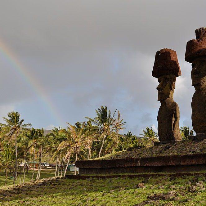 06 Rainbow Moai